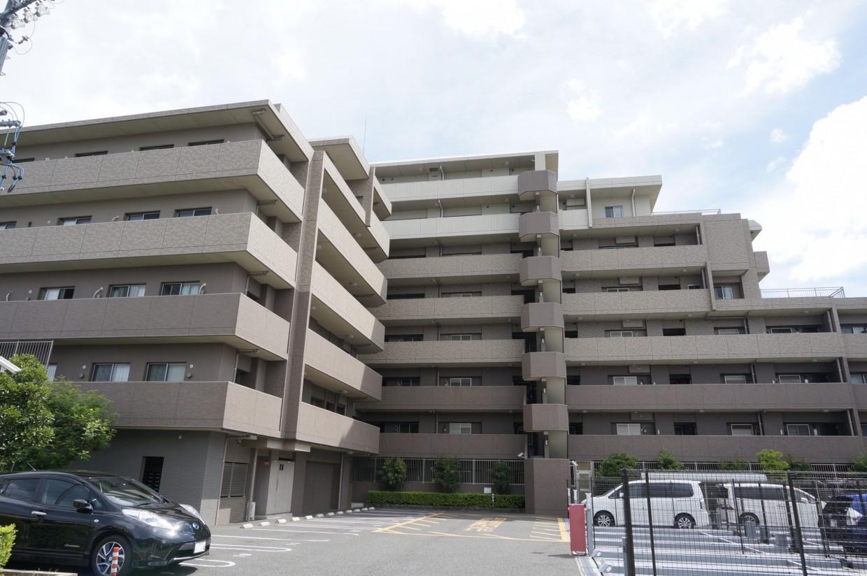 【外観】2009年築のマンションです。