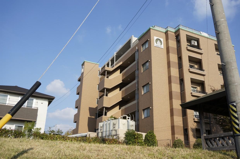 【外観】2007年築のマンションです。
